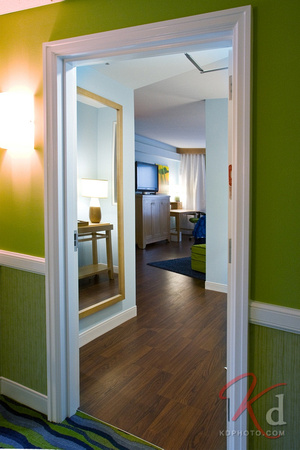 commercial-photography-hotel-indigo-raleigh-durham-rtp-nc-suite-entrance-1