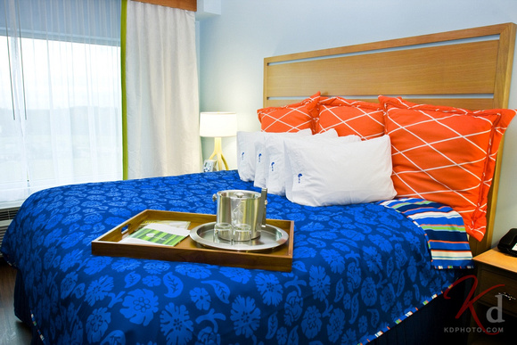 commercial-photography-hotel-indigo-raleigh-durham-rtp-nc-king-1